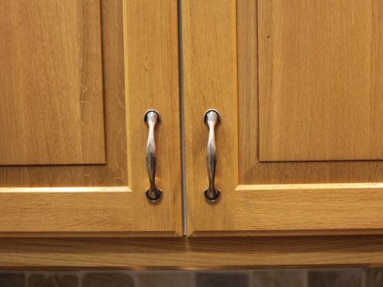How to Clean Metal Cabinet Hardware