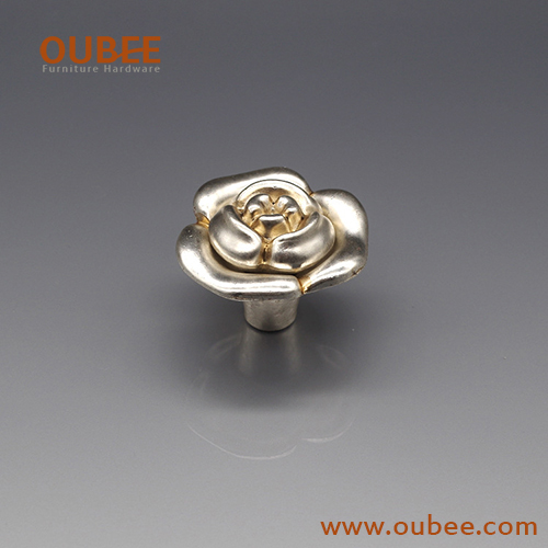 China hardware factory new design Zamak Zinc Alloy Rose Kitchen Cabinet Handle Antique cabinet knob